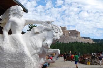 crazy-horse-memorial-south-indiani-dakota